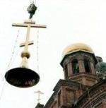 Строение духовного назначения. Священники и музейные работники опять спорят по поводу возвращения храмов церкви