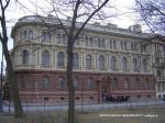 Почему в Петербурге дворцы становятся лотами
