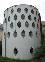 Дом Мельникова весь в трещинах - уходит фундамент