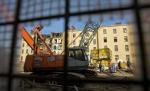 Лужков не отпускает. Защитники московской архитектуры дежурят на Большой Якиманке, пытаясь сохранить историческое здание