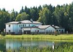 Обойдутся без забора. Собственный лес, яхтенный клуб или дом из натуральных материалов — в Москве выбрали лучшие коттеджные поселки