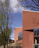 Архитектура театра в Белфасте стирает барьеры между актерами и публикой