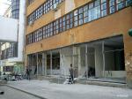 В здании типографии Уральский Рабочий делают витрины