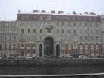 Один из символов старого Петербурга осыпается на глазах