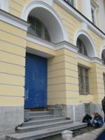 Инвестор прорубил дверь на Фонтанку