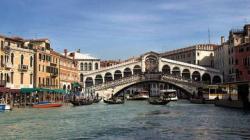 На архитектурной биеннале в Венеции покажут советскую прачечную