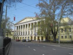 Дворец XVIII века в центре Москвы разрушается