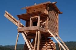 Вологодские мастера построили русскую мельницу в Америке