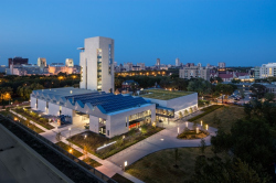 Центр искусств Ривы и Дэвида Логанов