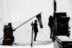 Защитников пакгауза выдавили ОМОНом