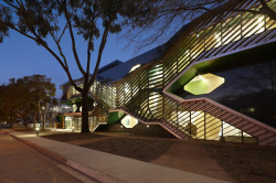 Корпус биологических исследований Австралийского национального университета в Канберре. 2012 © Dianna Snape