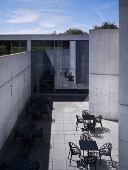 Конференц-центр на кампусе Vitra