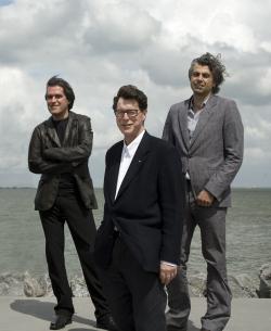 de Architekten Cie. Слева направо: Перо Пульиз, Пи де Брёйн, Бранимир Медич
