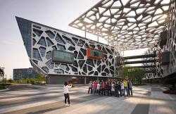 Штаб-квартира компании Alibaba Group в Ханчжоу. 2009. Фото: Peter Bennetts. Изображение с сайта hassellstudio.com