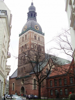 Башня Домского собора в Риге в любой момент может обвалиться - архитектор
