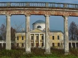 Памятники архитектуры в Тверской области превращаются в груду камней