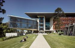 Корпус AEB Квинслендского университета