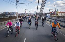 Снежный коэффициент: как сделать город удобным для велосипедистов, никого не обидев