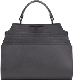 10 известных британок поработали над дизайном сумки Fendi