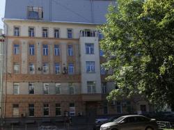 Кто позволил надстроить старинный дом в центре Москвы? Наглость повышенной этажности