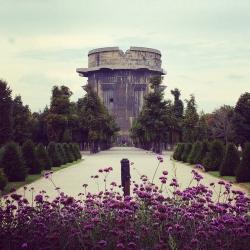 Две башни: что происходит с нацистским наследием в Вене