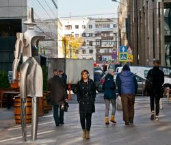 Появилась первая скульптурная композиция о людях в городе