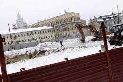 Модернистские клумбы на исторической площади
