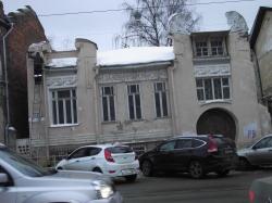 Владелец дома «на костылях» намерен реконструировать памятник