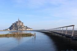 Мост и пирс острова Мон-Сен-Мишель