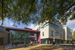 Корпус «Сердце кампуса» университета Шеффилд Халлам