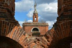 Забытые храмы земли Тульской. Ангел над Аксиньиным
