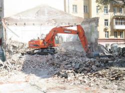 В центре Саратова снесли старинное здание ради новостройки