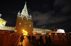 ФСО закрыла на реставрацию еще две кремлевские башни - Троицкую и Угловую Арсенальную