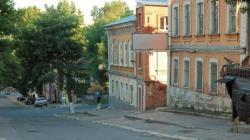 Памятник архитектуры на Бабушкином взвозе продается, но снесен не будет