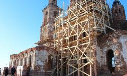 В Шумихе завершат реставрацию церкви Трех святителей