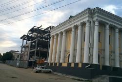 В Вольске из-за угрозы памятнику архитектуры приостановлено строительство торгового центра