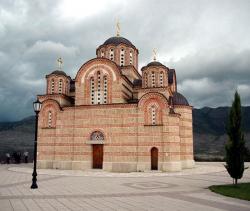 Воссозданный храм в Требинье