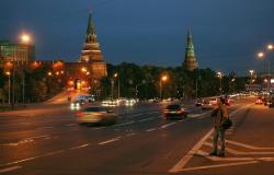 Реакция на решение об установке памятника Владимиру: памятник не помешает, но газон жалко