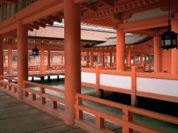 В Краснодаре показали уникальные фото дворцов Японии