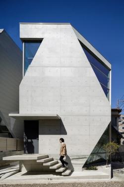 Архитектура дня: дом для химиков из экологичного бетона