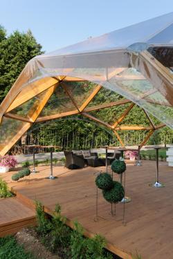 Конструкция в парк-отеле «Солнечный»