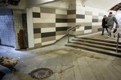 Почему московские инвалиды должны уметь проходить сквозь стены
