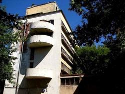 Аукцион определил собственника части площадей в уникальном доме Наркомфина