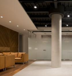 Интерьер офиса продаж компании «Вектор Инвестментс»