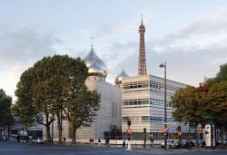 Православная церковь в Париже: пять куполов и несколько волн недовольства
