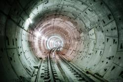 А метро все строят и строят