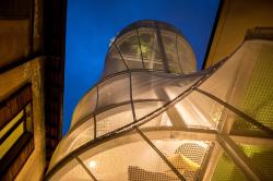 Инсталляция от MINI в Милане: минималистичный энергосберегающий «дом»
