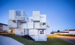 Комплекс социального жилья White Clouds
