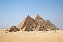 Как строили пирамиды?