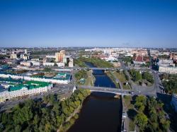 Город решает: Архитектор Ефим Фрейдин о том, как в Омске исследуют, обсуждают и проектируют общественные пространства